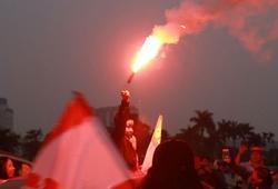 CĐV Hải Phòng đốt pháo sáng tưng bừng ngay trước trận U23 Việt Nam - U23 Indonesia