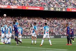 Đối thủ không biết phòng ngự như thế nào khi Messi đá phạt