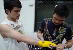 Con trai Manny Pacquiao thắng KO trong trận đấu chính thức đầu tiên