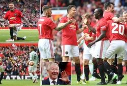 Sir Alex và các huyền thoại MU đưa NHM sống lại quá khứ với chiến thắng trước Bayern Munich