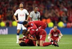 NHM Liverpool chọn ai đá cặp với Van Dijk mùa tới?
