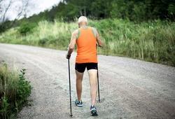 Nghiên cứu khoa học: Đi bộ nhanh giúp con người tránh chết sớm