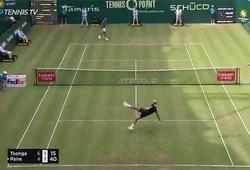 Jo-Wilfried Tsonga và Benoit Paire nổi hứng đá bóng ở Halle Open