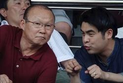 """Thầy Park không đòi tăng lương, """"quả bóng"""" nằm giữa người đại diện và VFF"""
