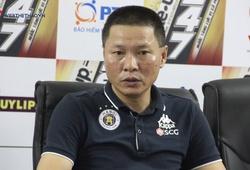 Bị gỡ hòa phút cuối, HLV của Hà Nội FC bức xúc với trọng tài
