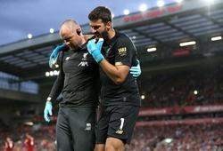 Alisson Becker chấn thương khi Liverpool đè bẹp Norwich