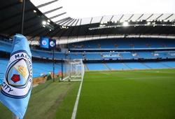 Man City thoát lệnh cấm chuyển nhượng nhưng bị phạt tiền