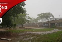 Cơn mưa giông trước trận đấu giữa ĐT Thái Lan và tuyển Việt Nam