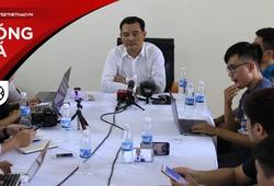 Pháo sáng - Chủ tịch CLB Hà Nội ông Nguyễn Quốc Hội gửi lời xin lỗi sâu sắc đến người hâm mộ