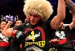 Khabib Nurmagomedov bán đấu giá chiếc áo Dustin Poirier tặng nhằm gây quỹ từ thiện