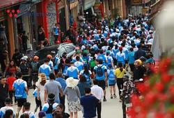 """""""Biển người xanh"""" VĐV Vietnam Mountain Marathon 2019 khiến thị trấn Sa Pa náo nhiệt"""