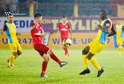 Nam Định và Khánh Hòa có ý kiến trái chiều vì quả penalty tranh cãi