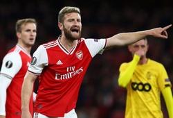 Mustafi từ thảm họa phòng ngự trở thành bùa may mắn của Arsenal như thế nào?