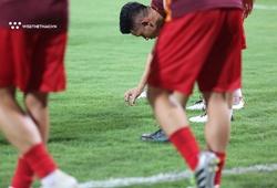 Hành động đáng yêu của Hồng Duy ở chiến thắng trước Malaysia
