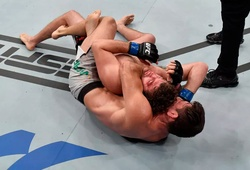 KẾT QUẢ UFC: Demian Maia thắng Ben Askren với đòn khóa cổ sau ngoạn mục