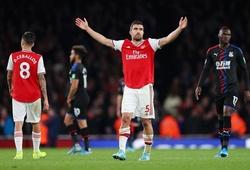 Người hâm mộ Arsenal đồng loạt công kích Emery sau khi hòa Crystal Palace