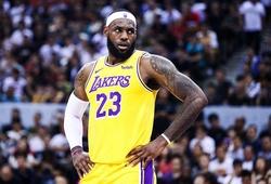"""Chạm mốc lịch sử, LeBron James vẫn không quên nhắn nhủ tới """"Haters"""""""