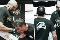 Full clip Tyson Fury tập đấm, đá, chỏ, gối và chống vật