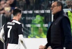 """Ronaldo lặp lại tình trạng """"đau khổ"""" của Hazard với Sarri ở mùa trước"""