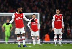 CĐV ước Lacazette không ghi bàn cho Arsenal khi quá chán Emery