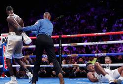 Deontay Wilder thành công bảo vệ danh hiệu, hạ knockout Luis Ortiz trong hiệp 7