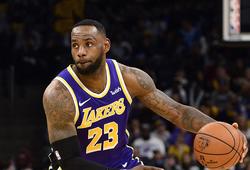 """LA Lakers lại lội ngược dòng, LeBron James vẫn là """"người gánh team"""""""
