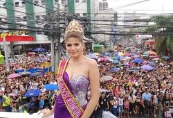 Chiêm ngưỡng sắc đẹp Hoa hậu Philippines diễu hành cùng đoàn Thể thao Việt Nam tại lễ khai mạc SEA Games 30