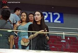 Bạn gái xinh như Hot girl một mình bay tới Philippines cổ vũ Lê Hiếu Thành