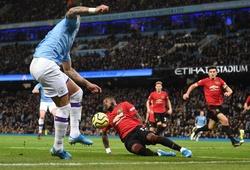 Vì sao Man City không có phạt đền trước MU khi Fred để bóng chạm tay?