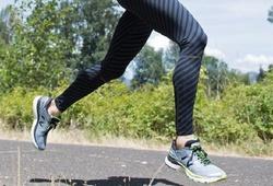 Chạy bộ thế nào để nâng cao thành tích? Phần 3: Chọn giày sao cho phù hợp