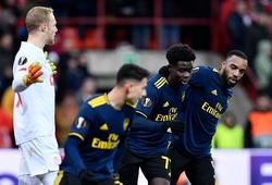 """Arsenal thoát hiểm khiến Ljungberg phải """"cầu xin"""" các ngôi sao lớn"""
