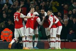 Mesut Ozil được huyền thoại MU khen ngợi khi tỏa sáng với Arsenal