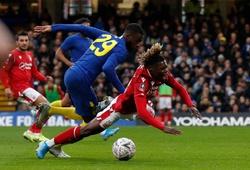 CĐV Chelsea hả hê khi VAR cứu 2 bàn thua cho đội nhà