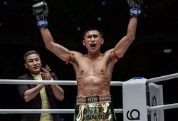 Nong-O Gaiyanghadao đã giúp Petchmorakot trở thành nhà vô địch như thế nào