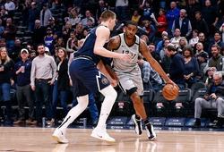 Dẫn 23 điểm, San Antonio Spurs vẫn bại trận trước Denver Nuggets