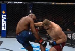 """Kết quả UFC: """"Hoàng tử Ba Lan"""" Jan Blachowicz thắng KO bất ngờ"""