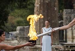 BTC Lễ rước đuốc Olympic 2020 của Nhật và Hy Lạp tìm cách chống COVID-19