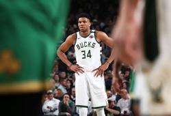 Milwaukee Bucks: Theo đuổi lịch sử hay chuẩn bị cho vòng Playoffs?