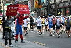 Trùng ngày Tiền Phong Marathon, giải chạy lớn nhất Hàn Quốc bị hủy vì virus corona