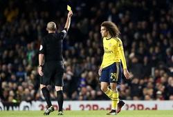 """Sao Arsenal nhận thẻ vàng """"kỳ quái"""" ở FA Cup"""