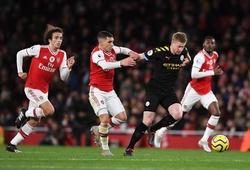 Man City và Arsenal đối mặt với lịch đá bù khó khăn ở Ngoại hạng Anh