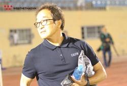 """Thầy Park vẫn trong đợt cách ly, trợ lý Lee đi """"soi giò"""" tân binh cho ĐTVN"""