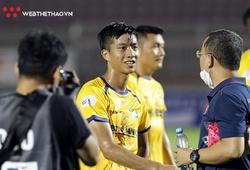 Trợ lý thầy Park gặp riêng Văn Đức sau trận đấu trên sân Thống Nhất