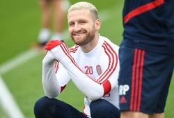 Ngôi sao Arsenal làm tan chảy NHM khi đăng ảnh tập luyện với con gái