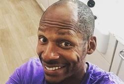 Ray Allen khoe đầu không cạo, kêu gọi hội hói đầu NBA nghỉ cắt tóc