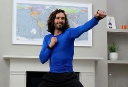 Ông bố 2 con lập kỷ lục thế giới lượng người xem bài tập thể dục tại nhà trực tuyến