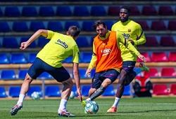 Hình ảnh Messi tung hoành trên sân tập khiến CĐV Barca phấn khích