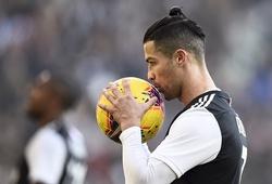 Ronaldo lần đầu sút hỏng phạt đền cho Juventus sau 17 tháng