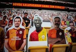 CLB bóng đá Thổ Nhĩ Kỳ tri ân Kobe Bryant trên khán đài