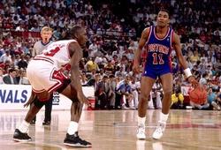 Kẻ thù không đội trời chung của Michael Jordan sắp được dựng tượng